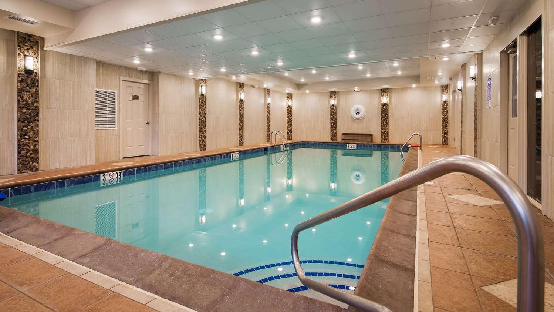 Pool - Best Western Plus Concordville Hotel