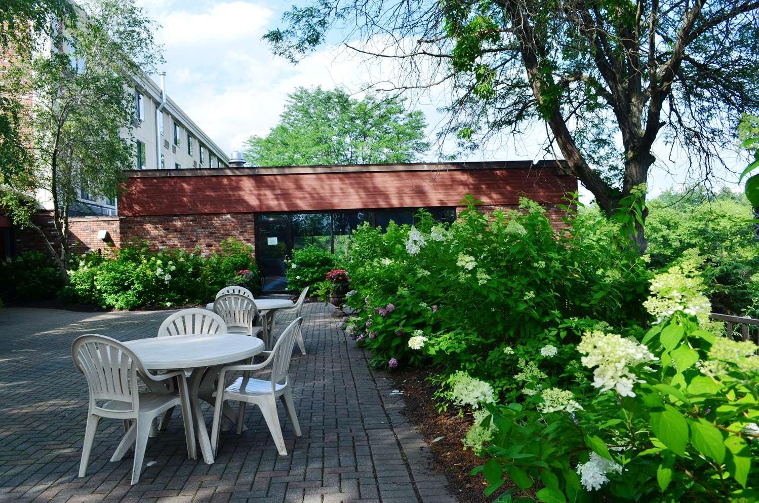 Exterior view - Best Western Inn at Hunt's Landing Matamoras