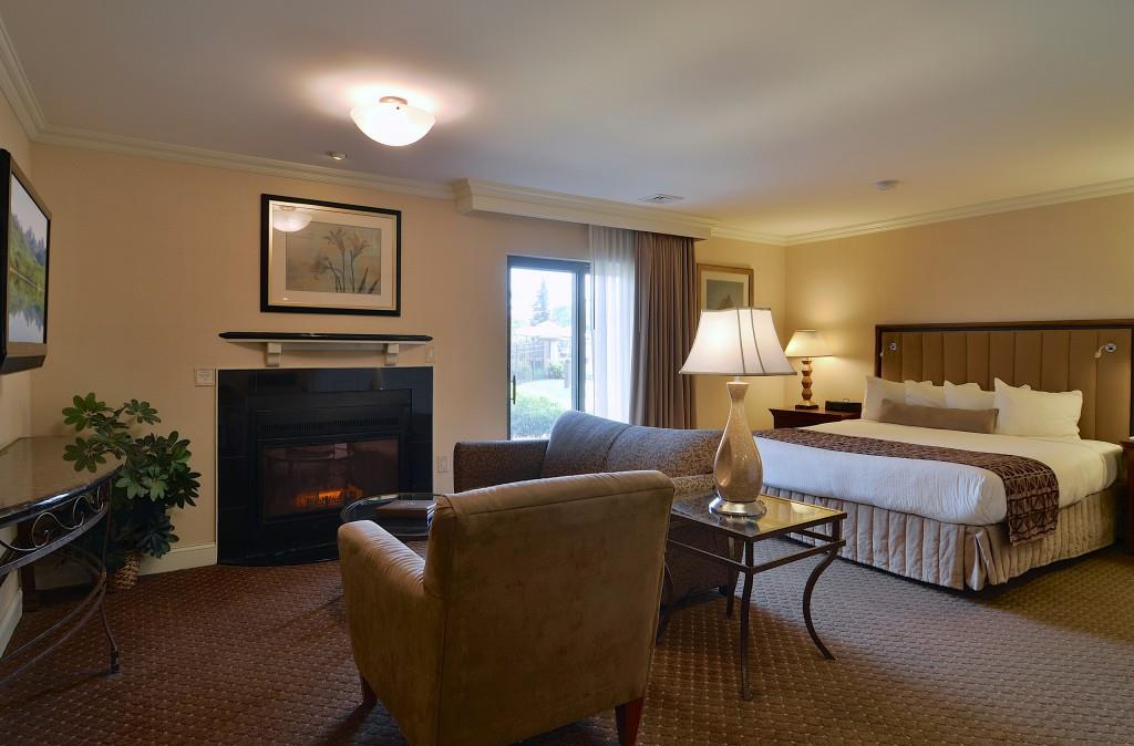 Suite - Eden Resort & Suites Lancaster
