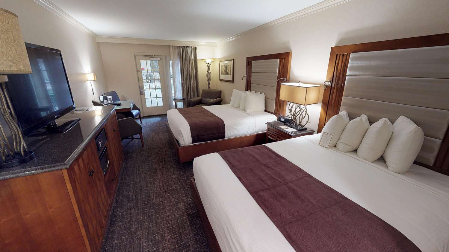 Room - Eden Resort & Suites Lancaster
