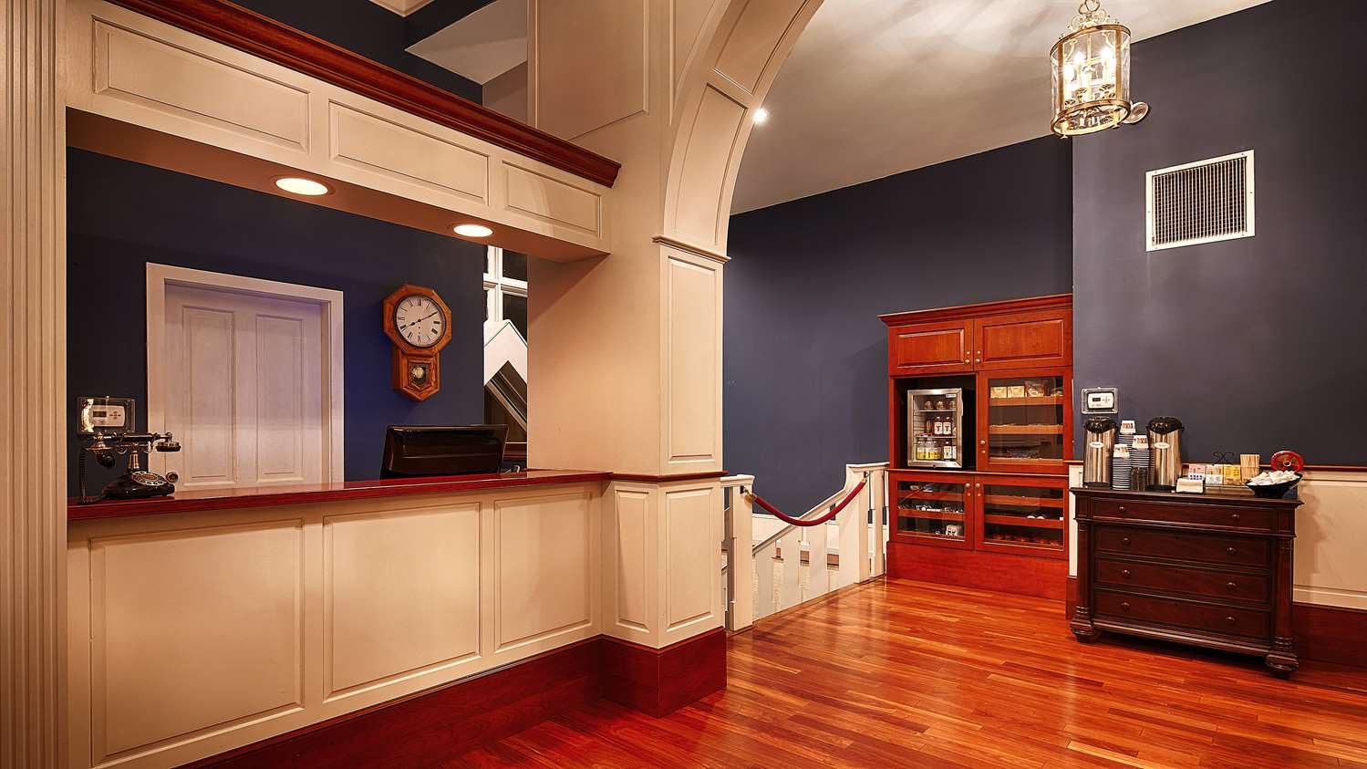 Lobby - Best Western Plus Independence Park Hotel