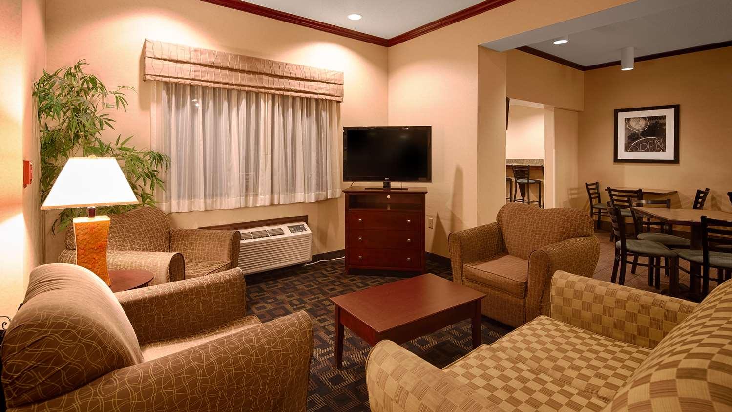 Lobby - Best Western Plus Executive Inn St Marys
