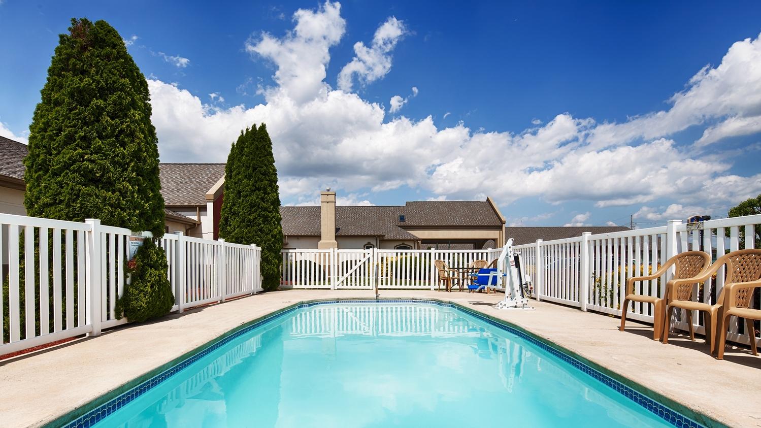 Pool - Best Western Chambersburg Hotel