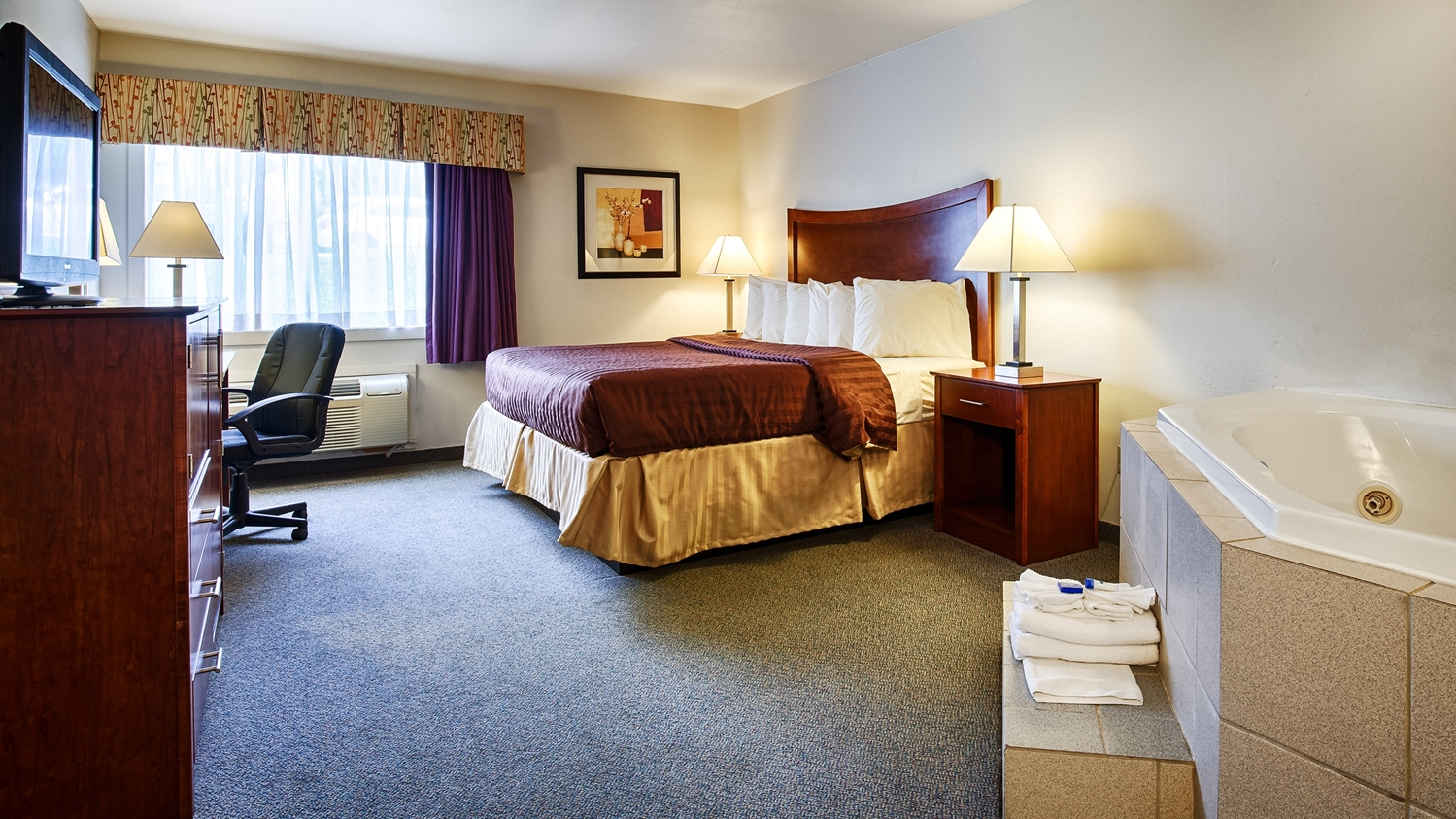 Suite - Best Western Chambersburg Hotel