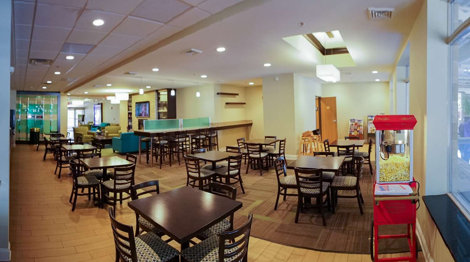Restaurant - Best Western Garden Inn Bentleyville