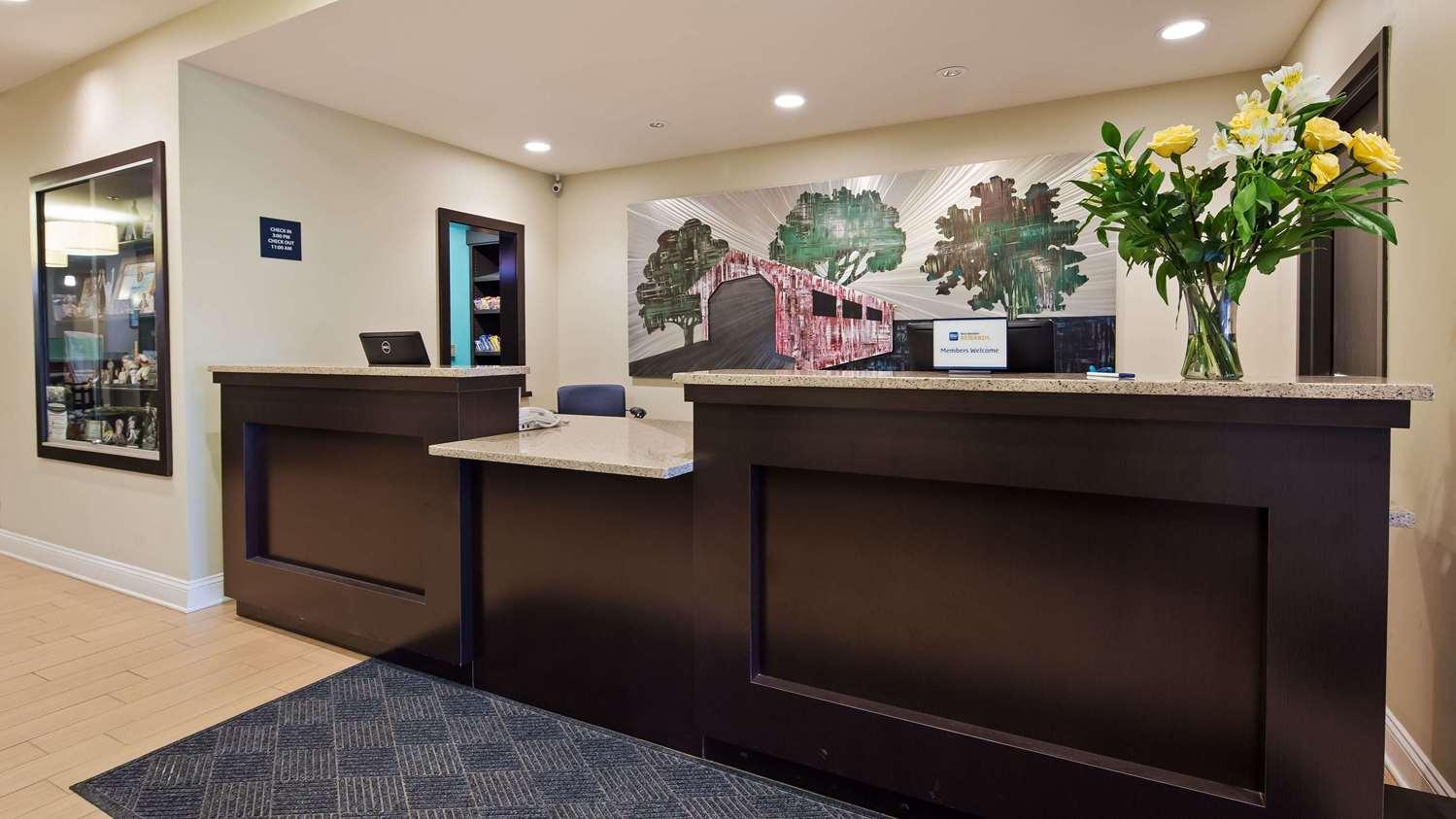 Lobby - Best Western Garden Inn Bentleyville