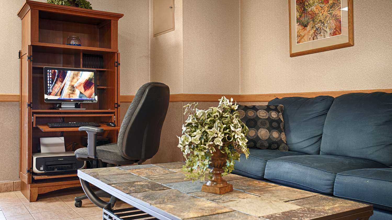 Conference Area - Best Western Inn Blakeslee
