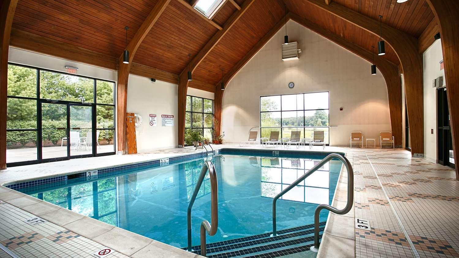 Pool - Best Western Inn Blakeslee