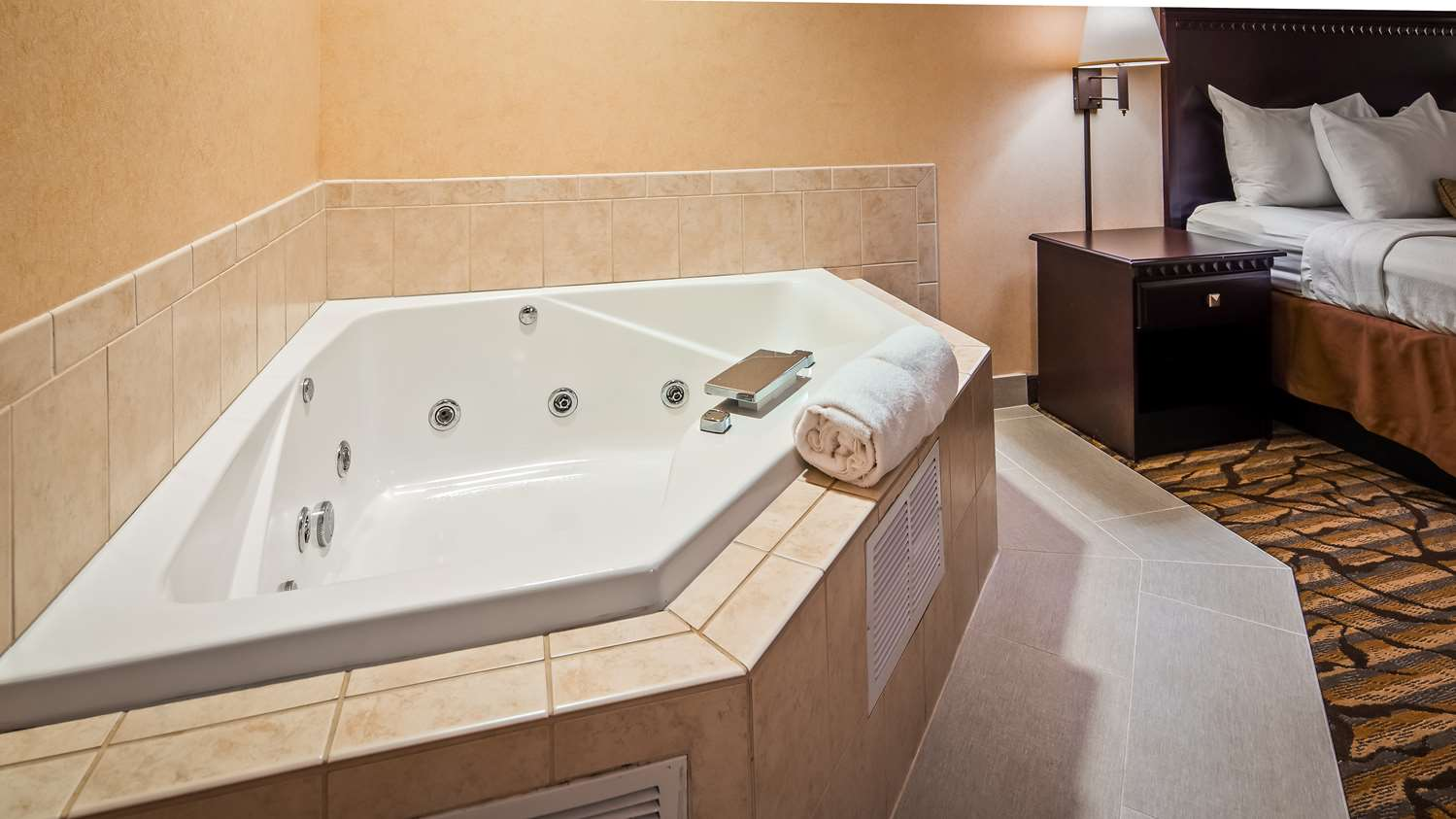 Room - Best Western Danville Inn