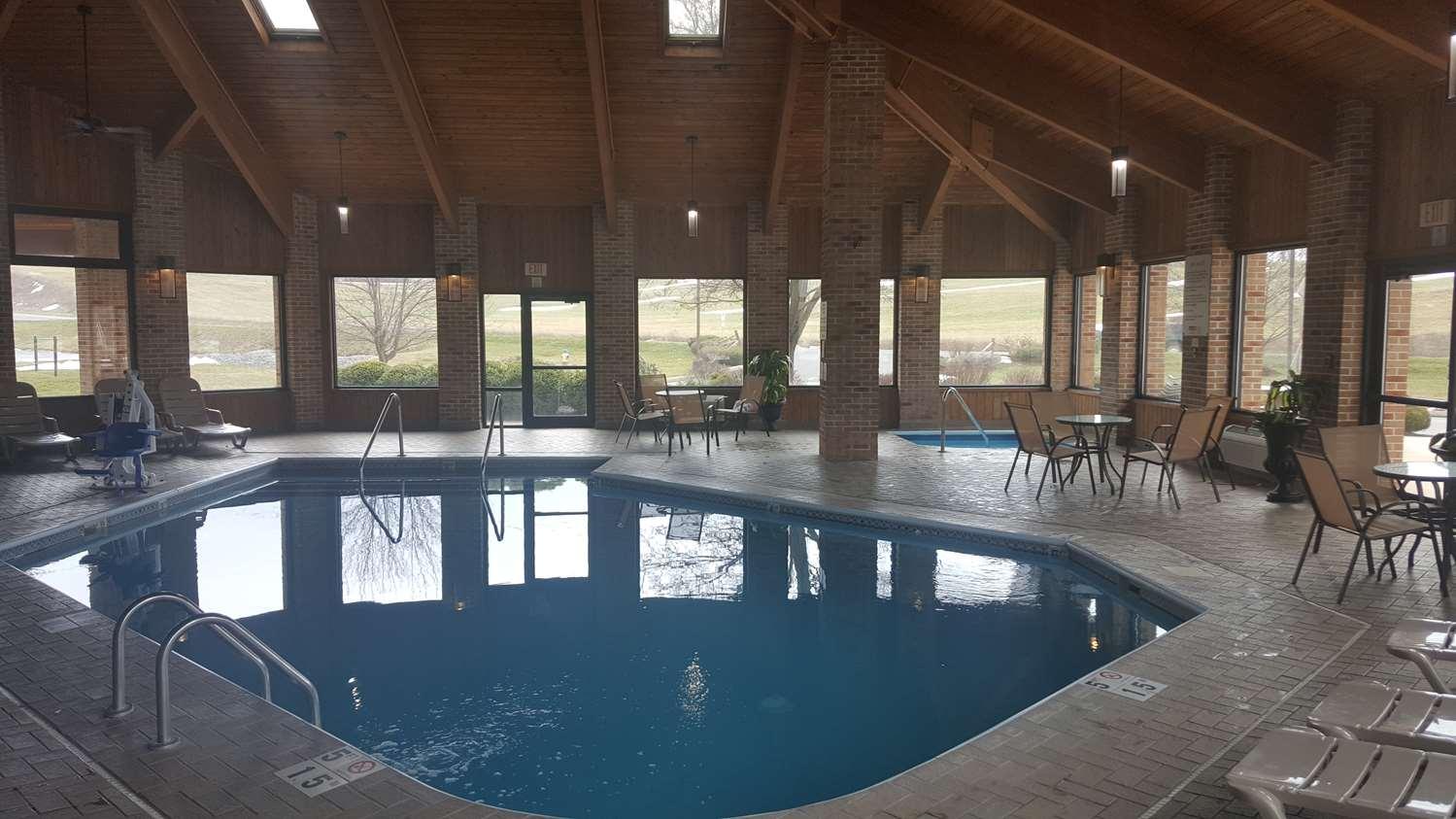 Pool - Best Western Hotel Shippensburg