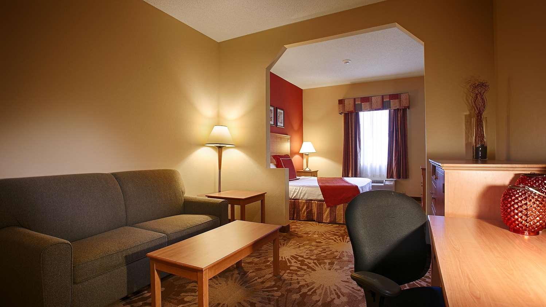 Suite - Best Western Plus New Cumberland Inn & Suites