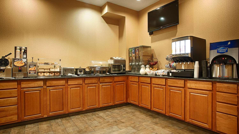 Restaurant - Best Western Plus New Cumberland Inn & Suites
