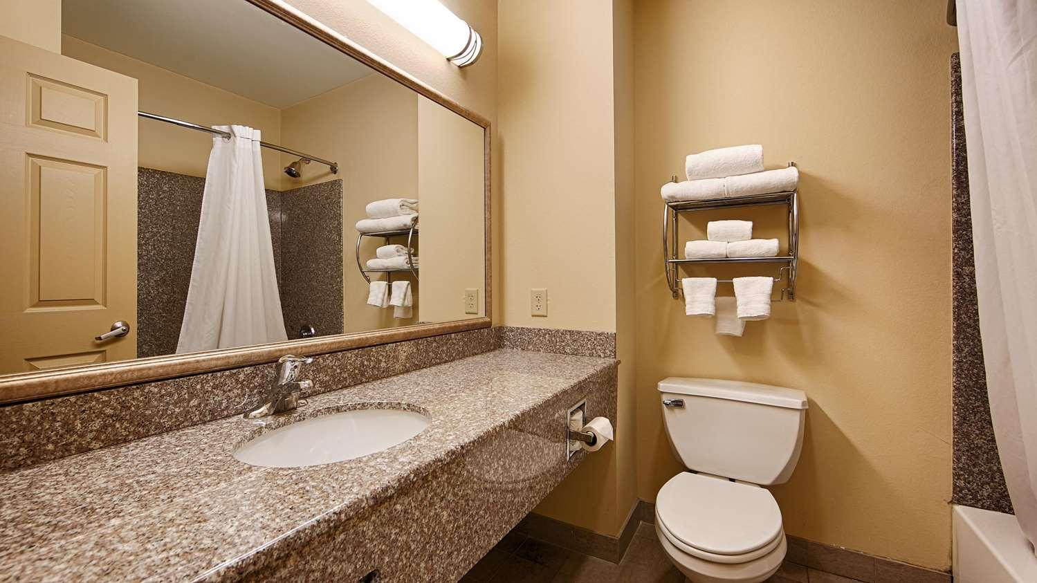 Room - Best Western Plus New Cumberland Inn & Suites