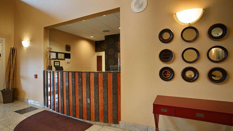 Lobby - Best Western Plus New Cumberland Inn & Suites