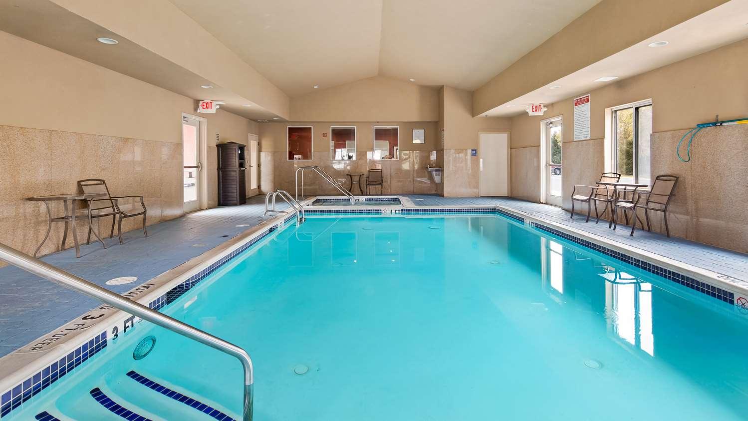Pool - Best Western Plus New Cumberland Inn & Suites