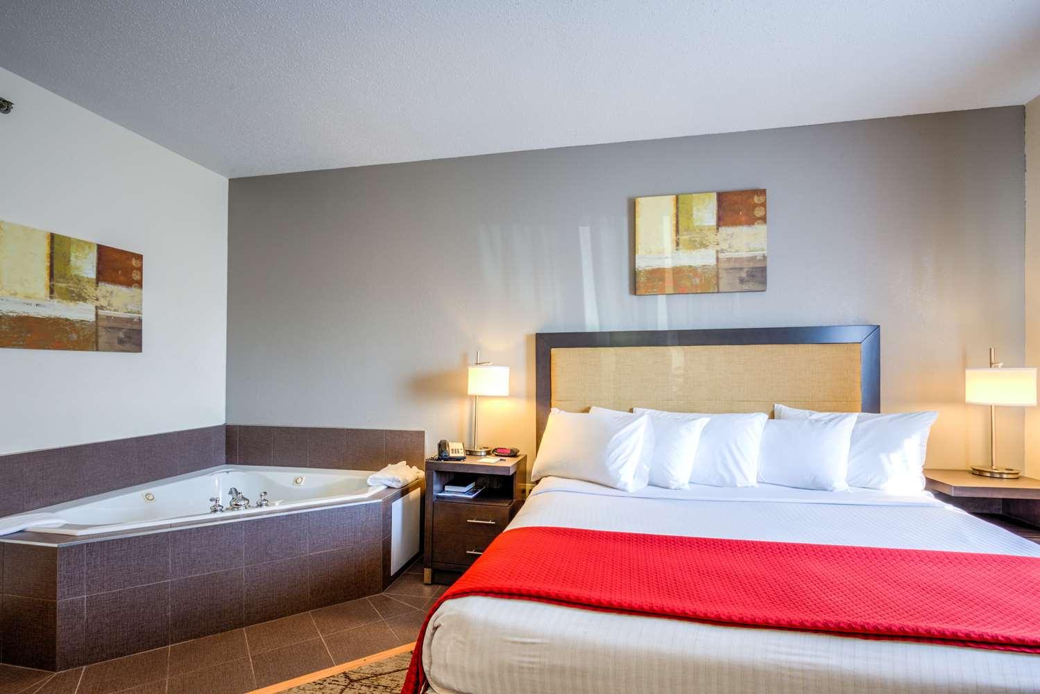 Suite - Best Western Nittany Inn Milroy