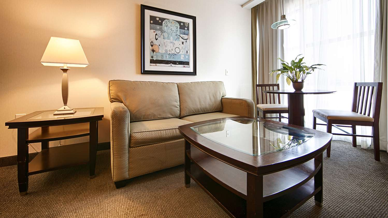 Suite - Best Western Plus Philadelphia Airport South Hotel