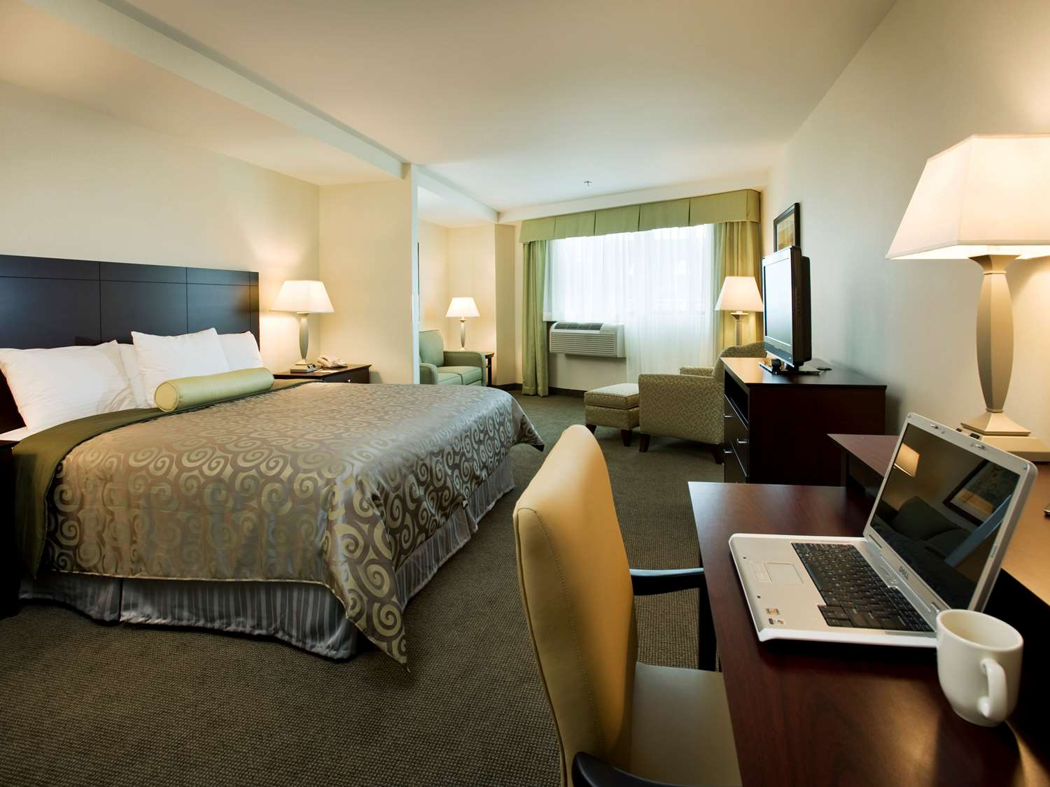 Room - Best Western Plus Philadelphia Airport South Hotel