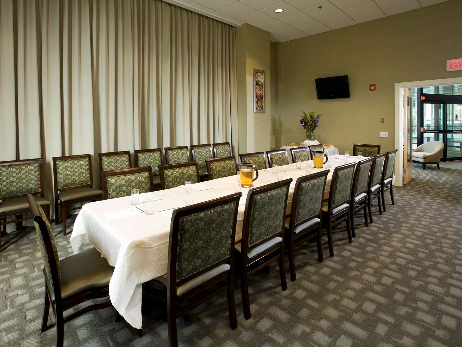 Meeting Facilities - Best Western Plus Philadelphia Airport South Hotel
