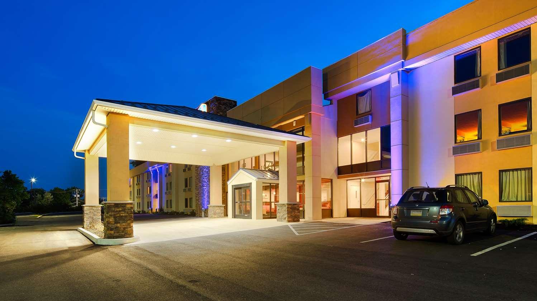 Exterior view - Best Western Plus Poconos Hotel Tannersville