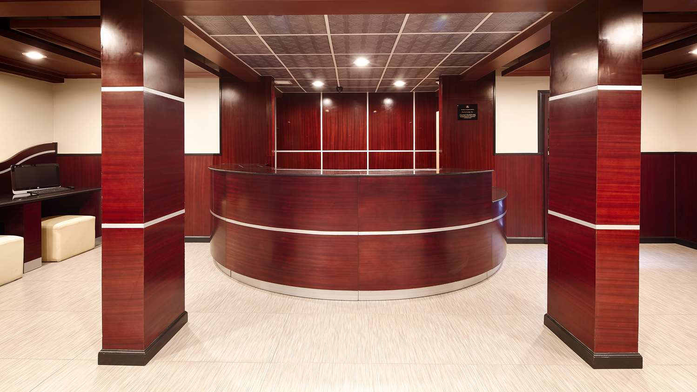 Lobby - Best Western Plus Poconos Hotel Tannersville