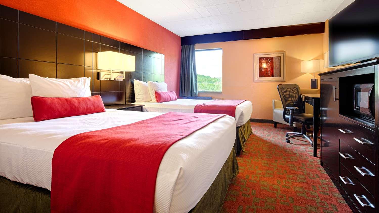 Room - Best Western Plus Poconos Hotel Tannersville