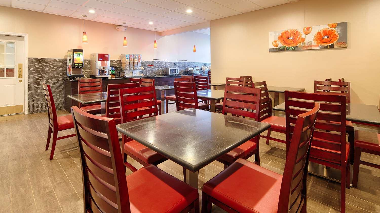 Restaurant - Best Western Plus Poconos Hotel Tannersville