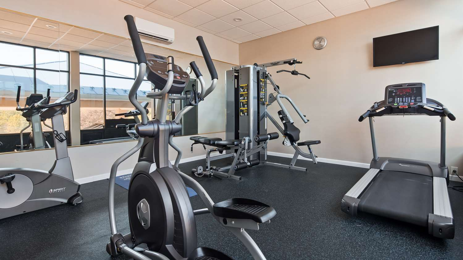 Fitness/ Exercise Room - Best Western Plus Poconos Hotel Tannersville