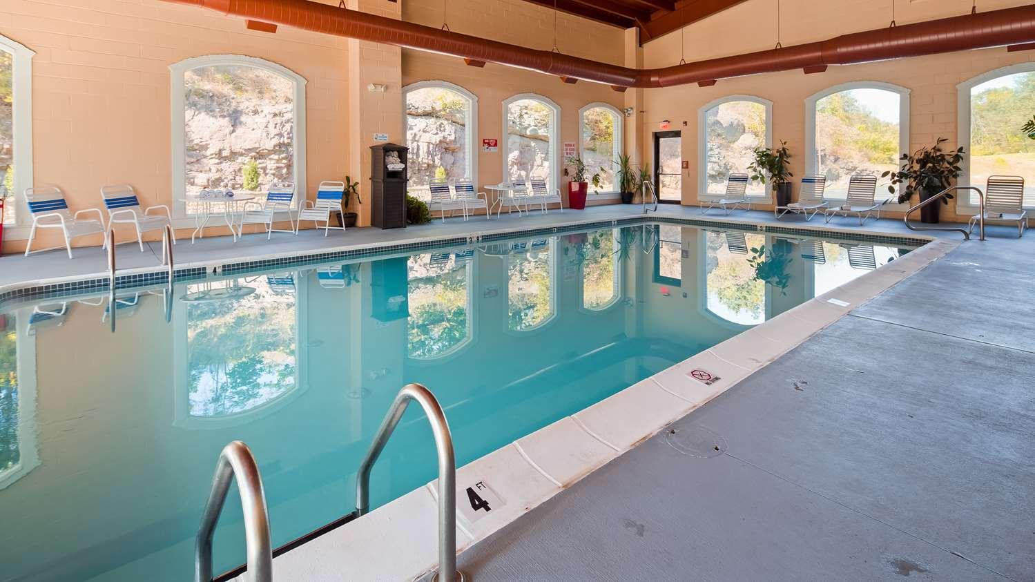 Pool - Best Western Plus Poconos Hotel Tannersville