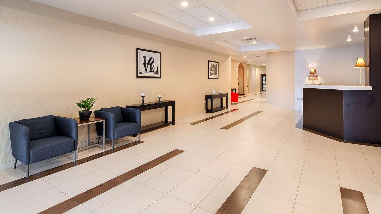 Lobby - Best Western Plus Philadelphia Hotel Bensalem