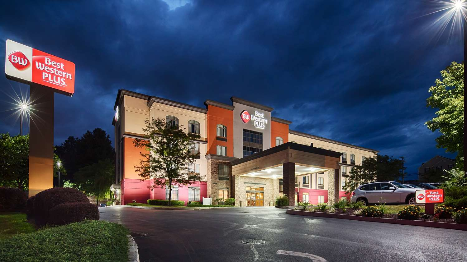 Exterior view - Best Western Plus Harrisburg Hotel