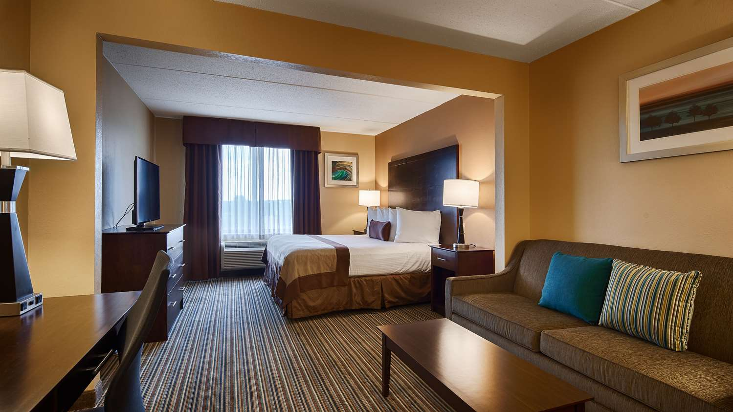 Room - Best Western Plus Harrisburg Hotel