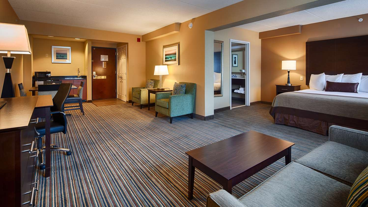 Suite - Best Western Plus Harrisburg Hotel