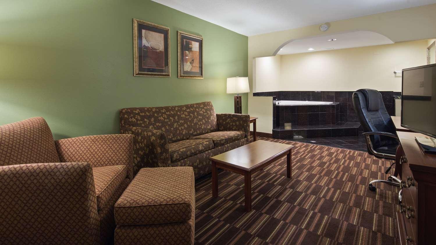 Suite - Best Western Walterboro Inn