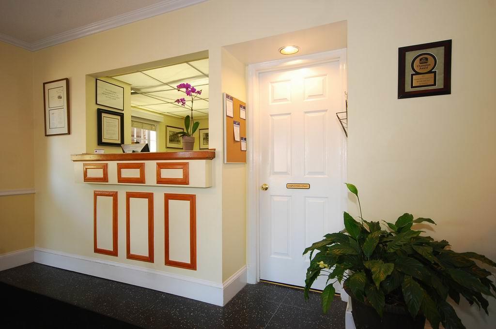 Lobby - Best Western Sea Island Inn Beaufort