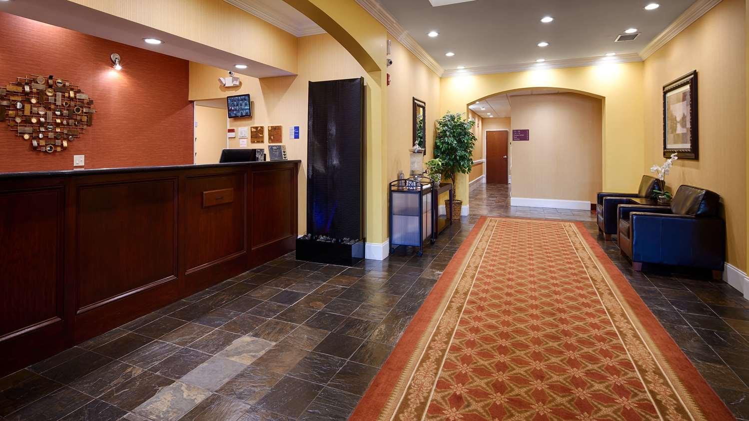 Lobby - Best Western Plus Piedmont Inn & Suites Piedmont