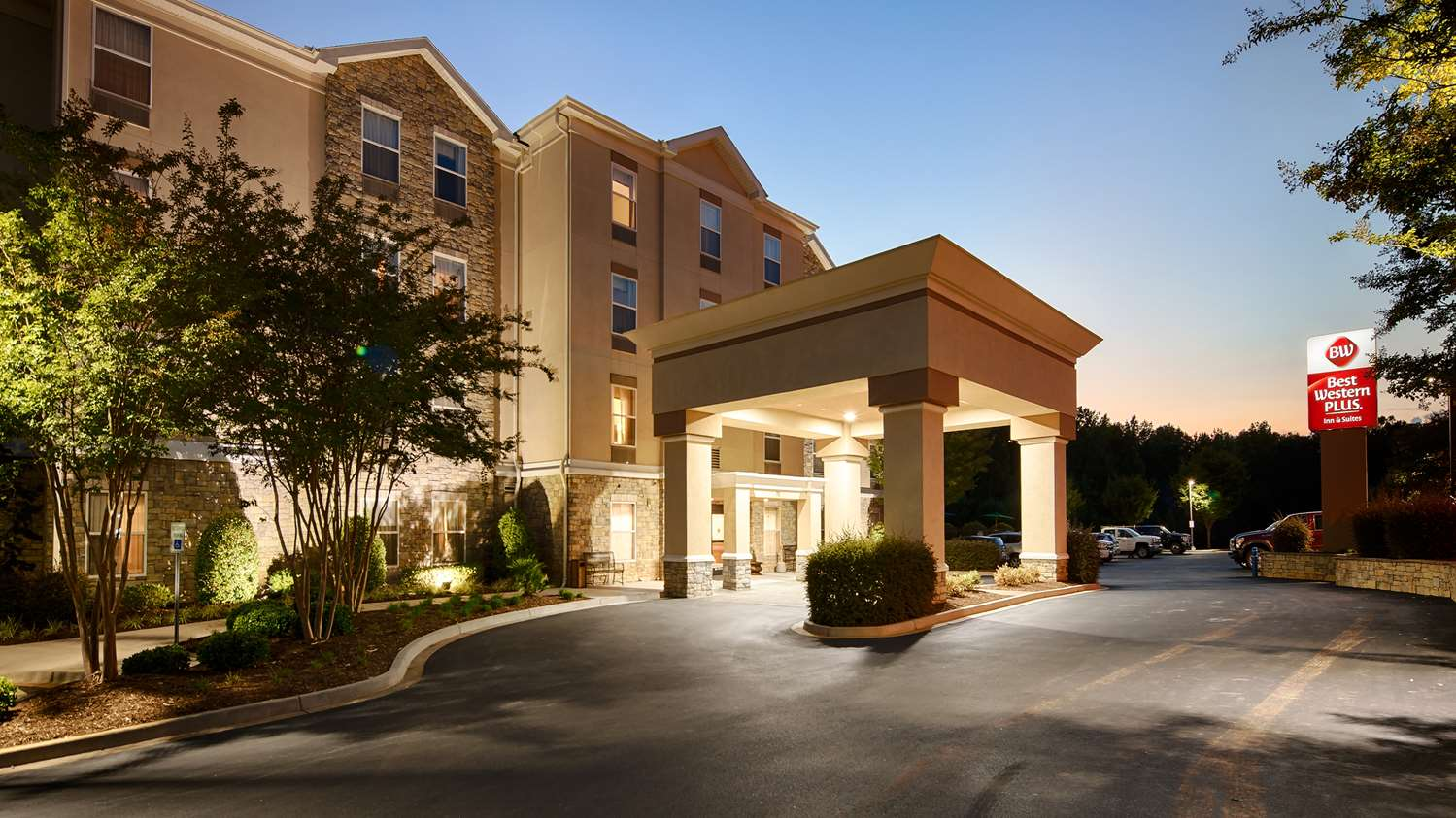 Exterior view - Best Western Plus Piedmont Inn & Suites Piedmont