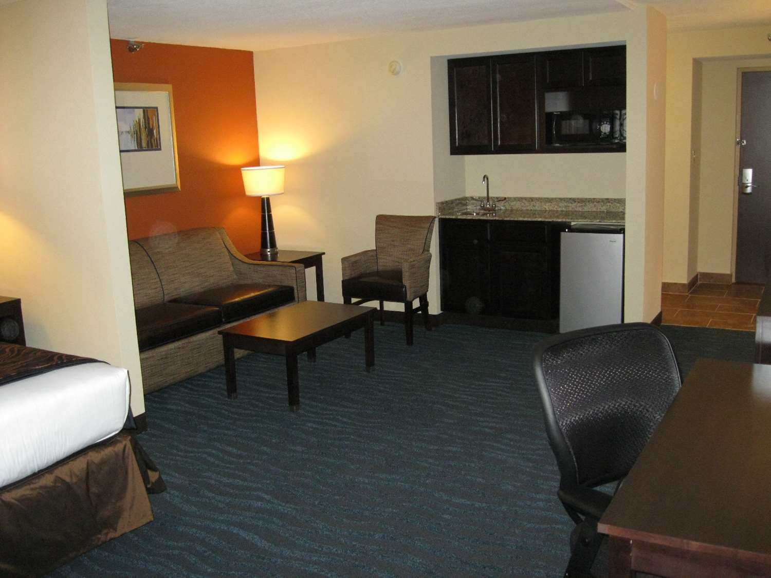 Suite - Best Western Plus Northeast Columbia