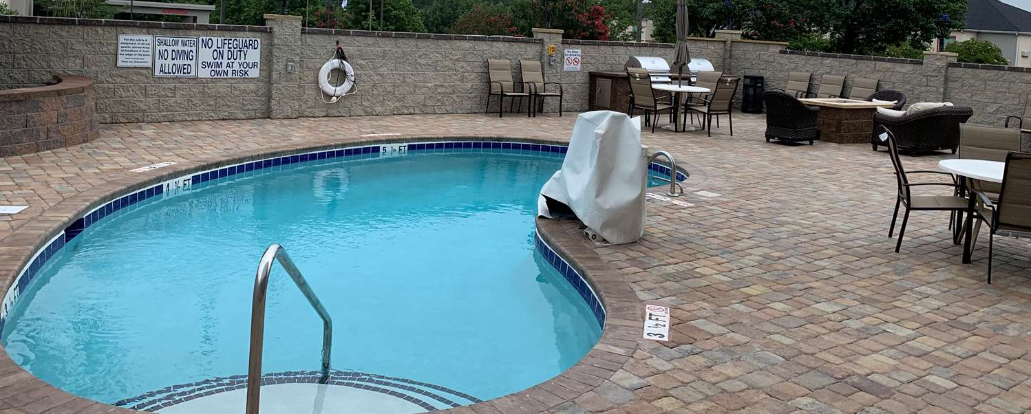 Pool - Best Western Plus Northeast Columbia