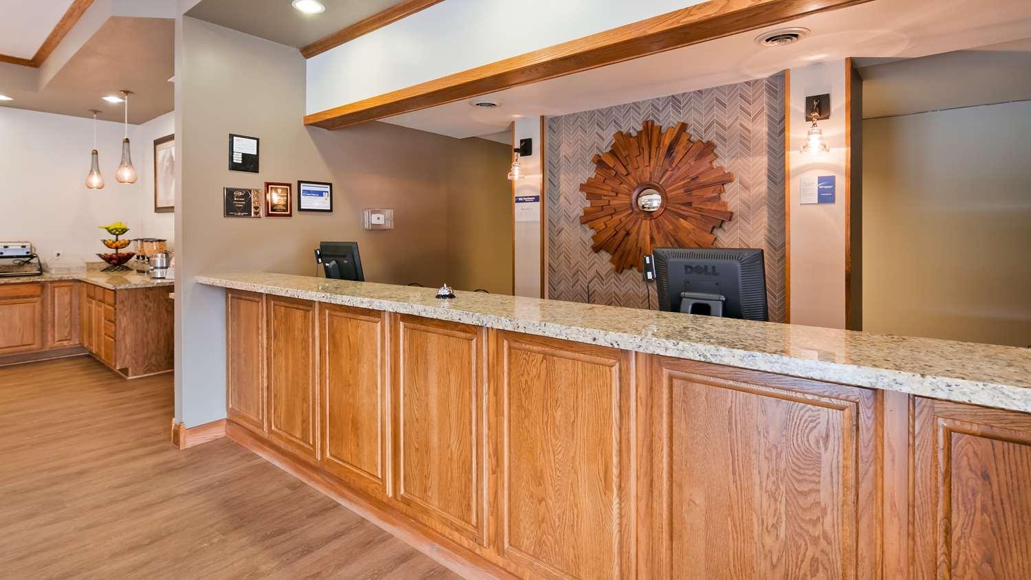 Lobby - Best Western Buffalo Ridge Inn Custer