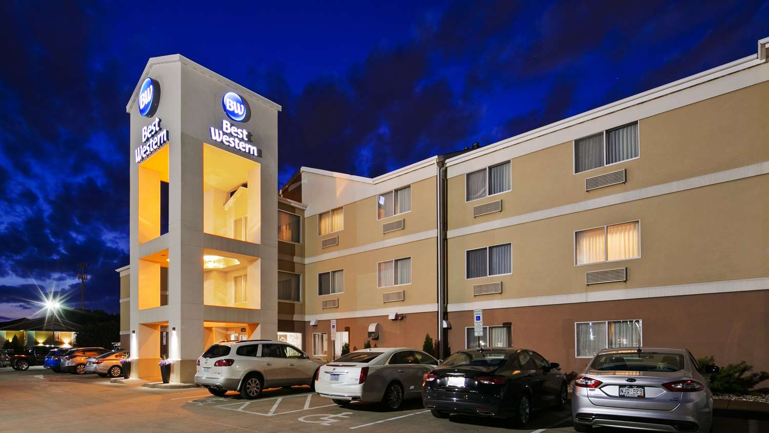 Exterior view - Best Western Empire Towers Inn Sioux Falls