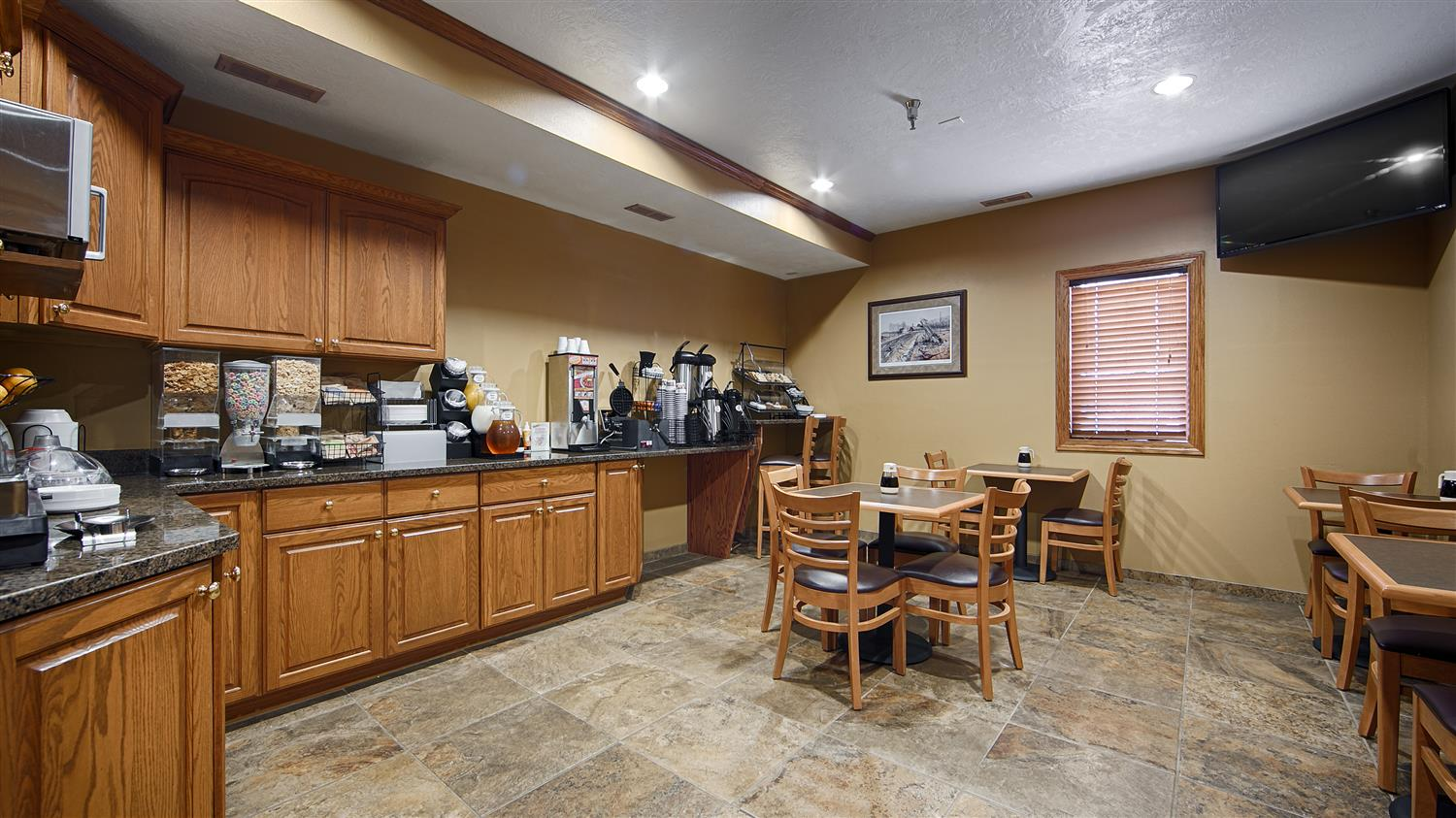 Restaurant - Best Western Vermillion Inn