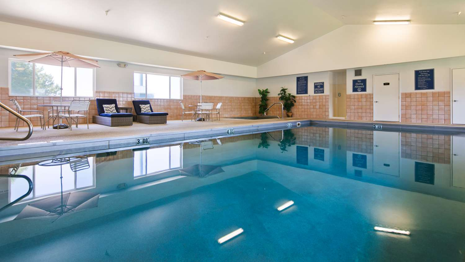 Pool - Best Western Vermillion Inn