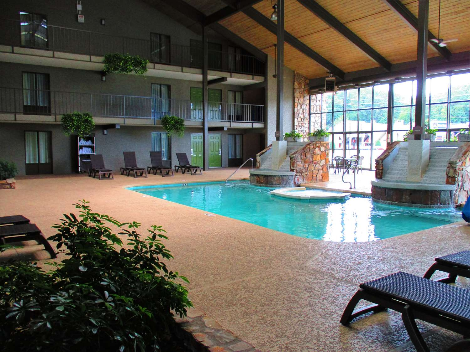 Pool - Best Western Pigeon Forge Plaza Inn
