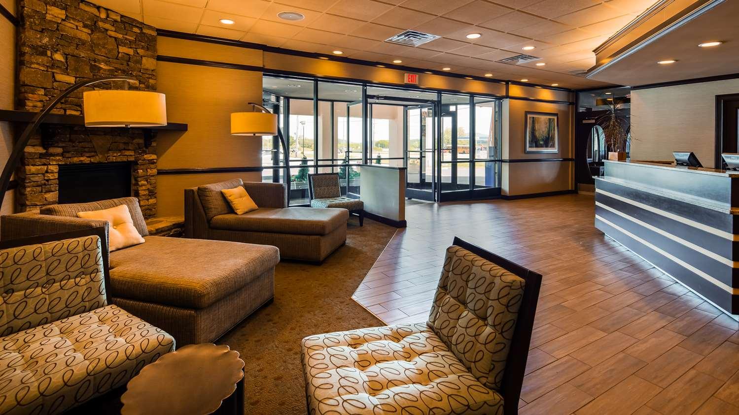 Lobby - Best Western Newport Inn