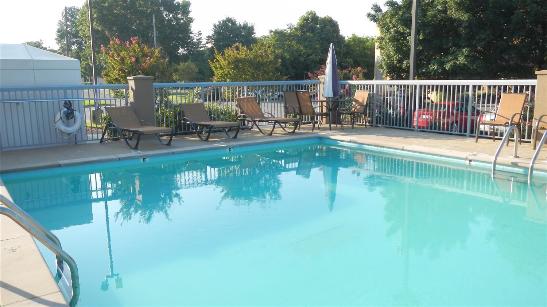 Pool - Best Western Opryland Suites Nashville
