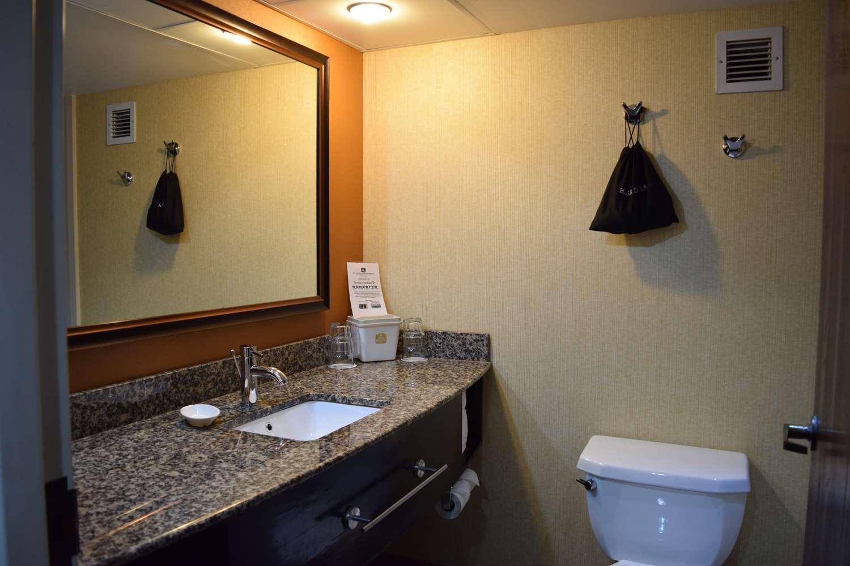 Room - Best Western Opryland Suites Nashville
