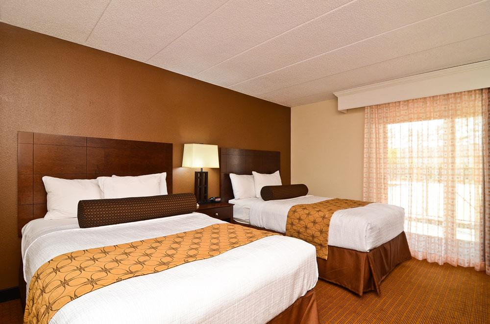 Suite - Best Western Plus Arbour Inn & Suites East Ridge