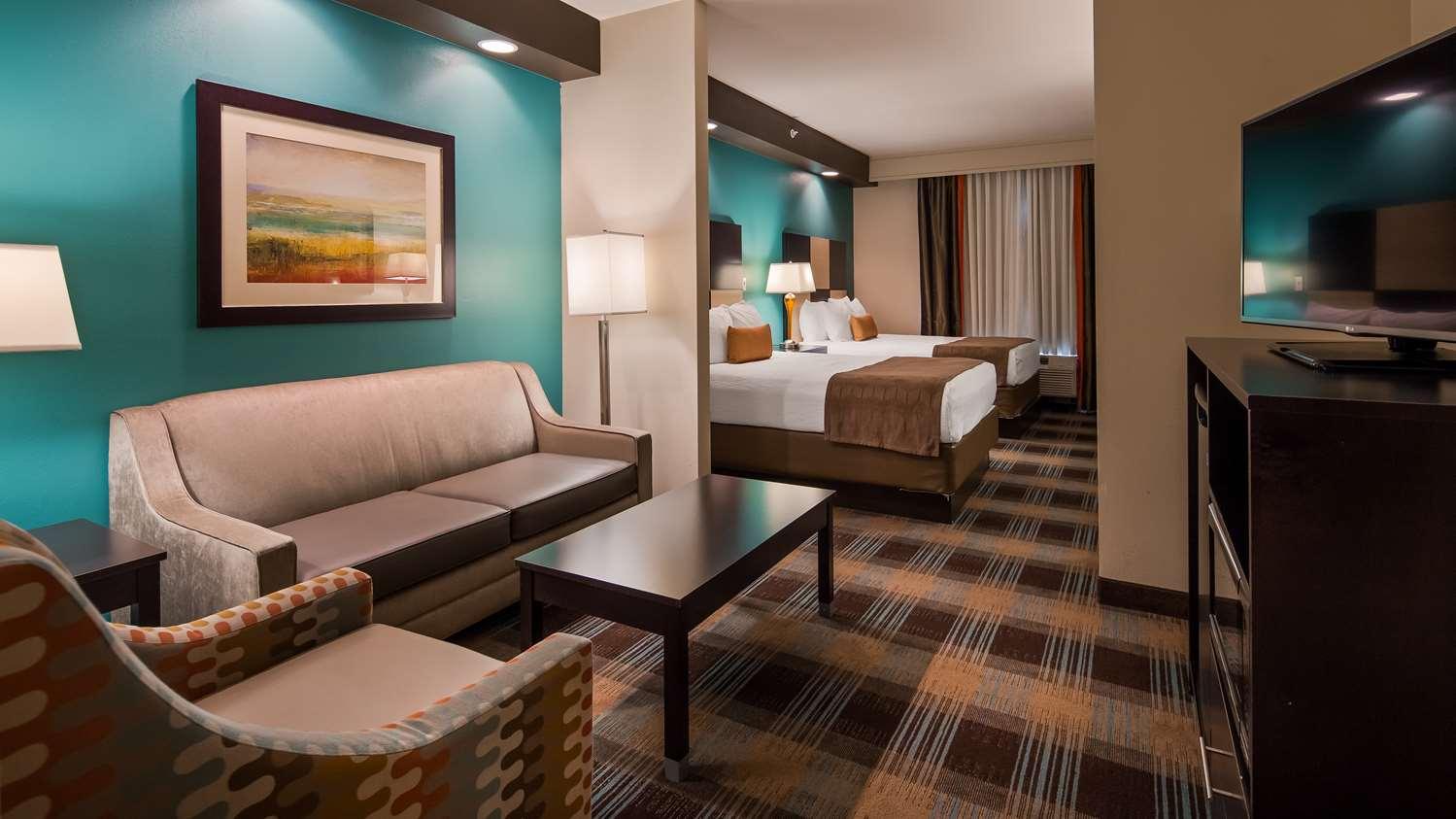 Best Western Plus Atrium Inn & Suites Clarksville, TN - See Discounts