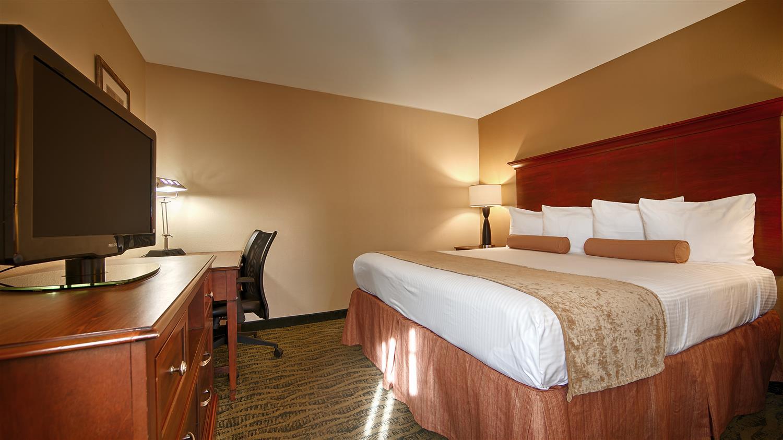 Room - Best Western Rose Garden Inn & Suites McAllen
